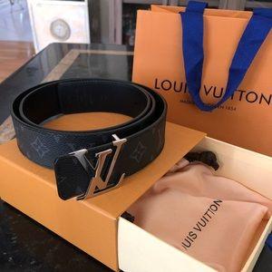 28120b150498 Louis Vuitton Reversible Men s Belt